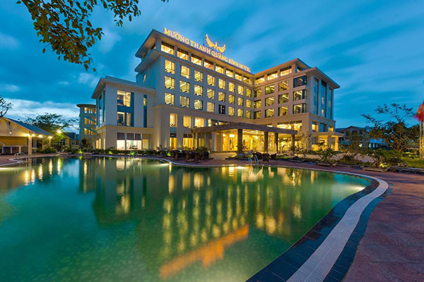 MUONG-THANH-QUANG-BINH-HOTEL-TOAN-CANH-BE-BOI